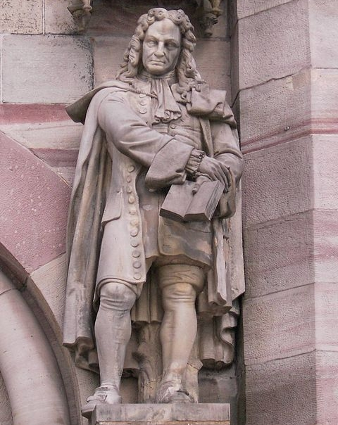 This statue of Gottfried Wilhelm Leibniz adorns the auditorium of the University of Göttingen.  (click for credit)